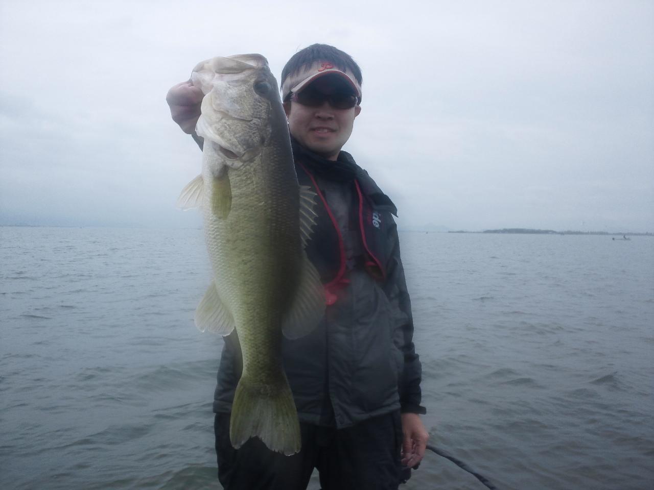雨の琵琶湖